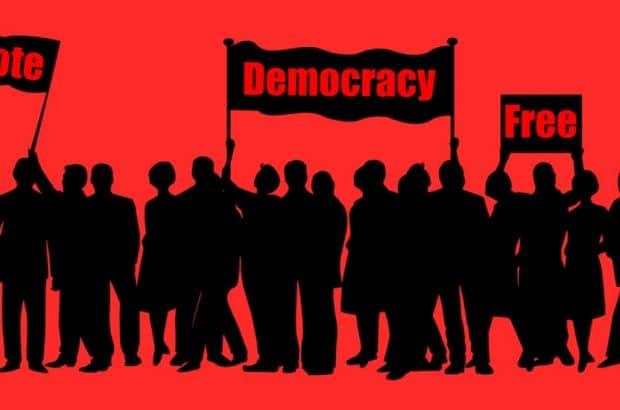 صد سال با دموکراسی