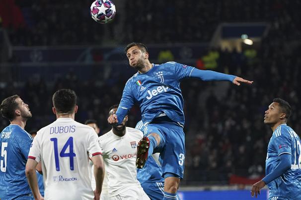 شکست یوونتوس در لیون و پیروزی پپ بر زیزو در مادرید