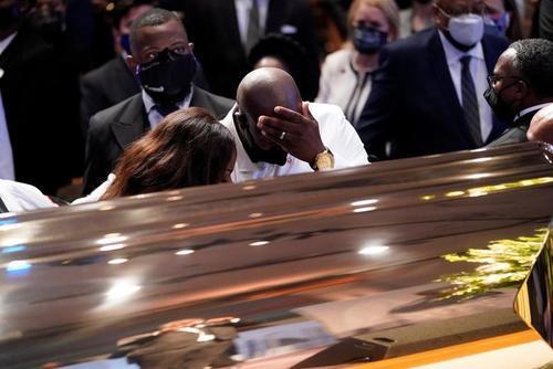 مراسم تشییع پایانی و خاکسپاری جورج فلوید