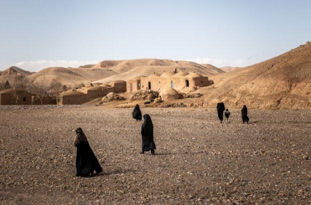 در روستای بیوه ها، تجارت تریاک تلفات زیادی به بار آورده است