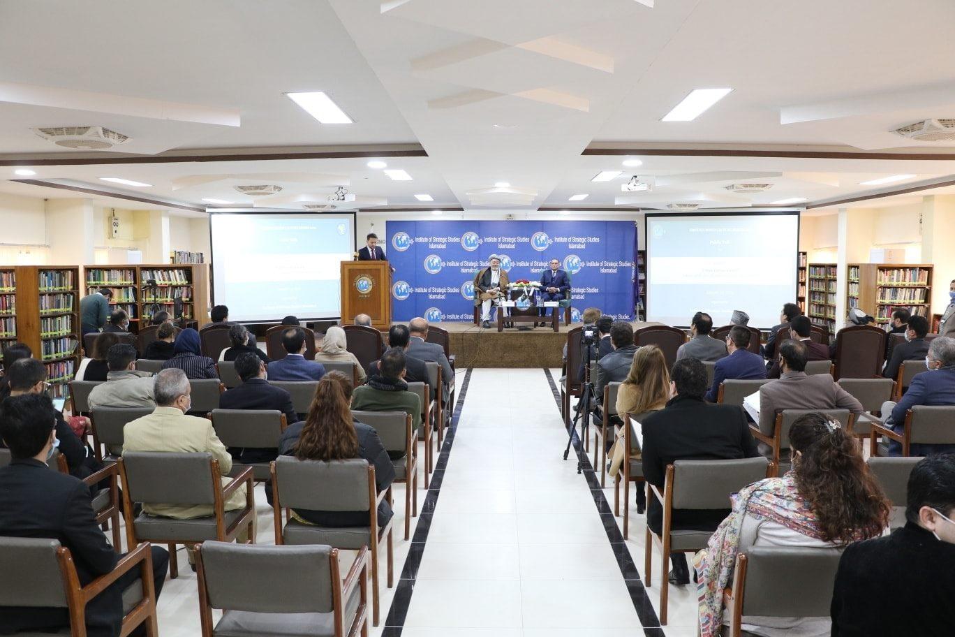 محمد کریم خلیلی: صلح افغانستان به نفع همه کشورهاست