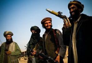 داعیه سیاسی امارت طالبان،تقلا در بین شریعت و پشتونوالی